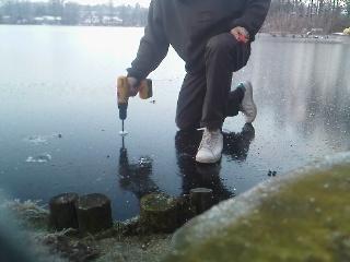 Christian med måle udstyr, tykkelsen 4,2 cm (25.1.2012)